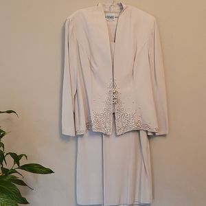 R&M Richards Women's Vintage Suit